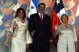 Primera Dama, XiomaraCastro Pte. de Honduras, Manuel Zelaya y Pte. de Chile, Michelle Bachelet