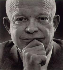 1959: El presidente estadounidense Eisenhower visita a Francisco Franco en Madrid; más de un millón de personas salen a la calle para recibirlo.