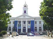 Mayaguez City Hall 2005 - 1841: la ciudad de Mayagüez en Puerto Rico es destruida por un incendio.