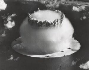 1954: Se produce la primera detonación de la Bomba H.